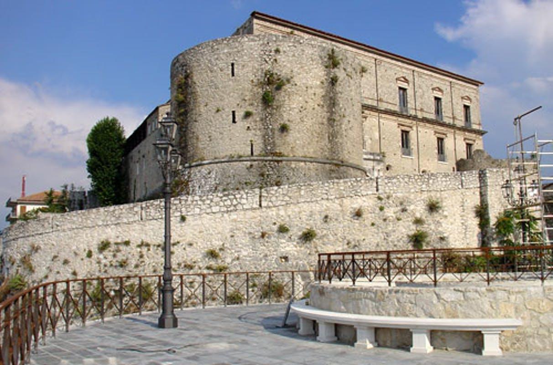 castello principi sanseverino teggiano