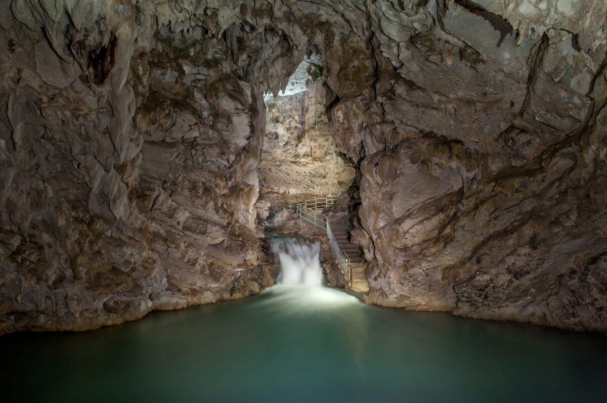 grotte del cilento interno
