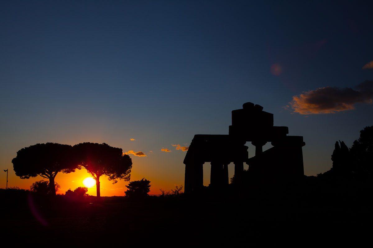 Tramonto sui templi di Paestum