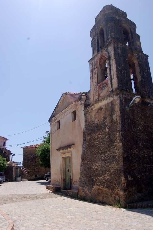 Chiesa e piazzetta di San Nicola a San Nicola di Centola