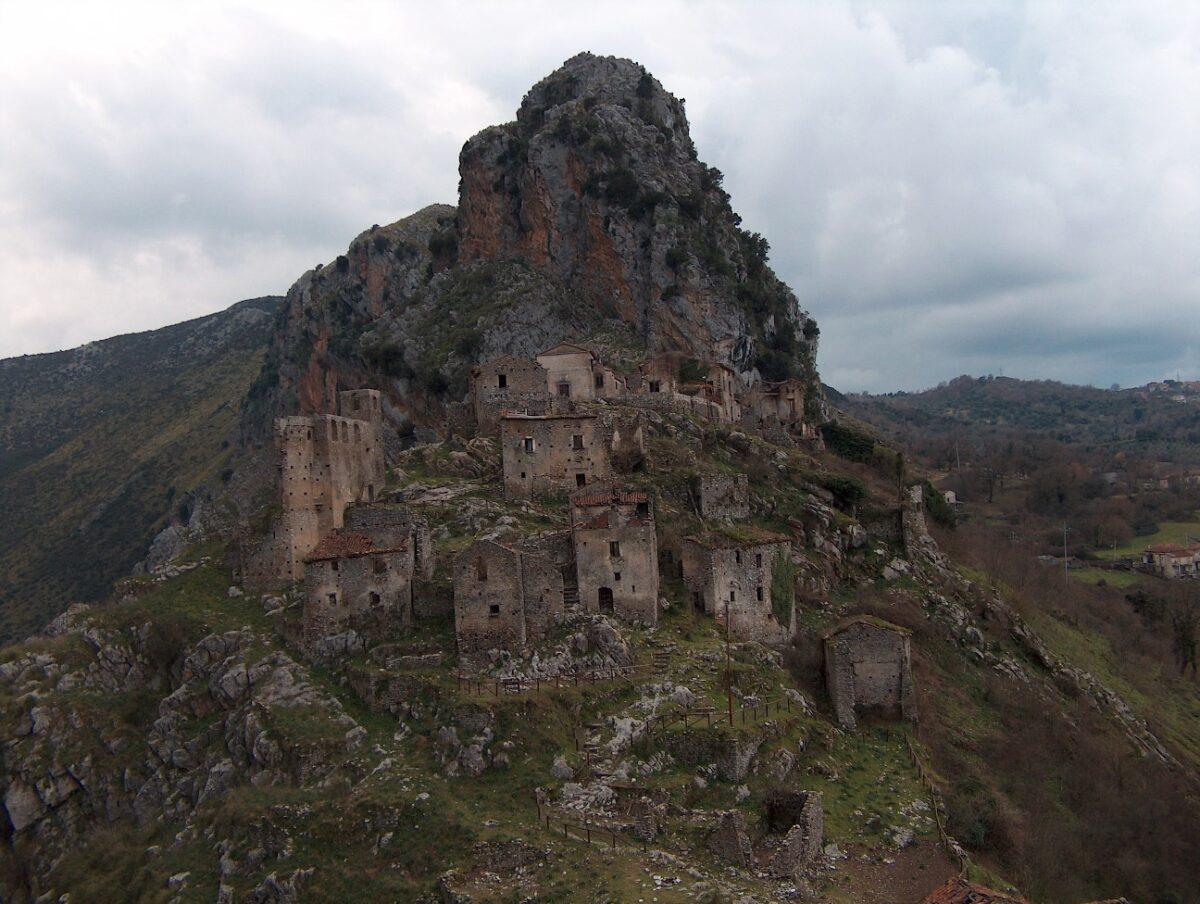 borgo medievale di san severino di centola 1